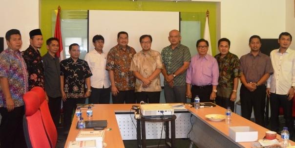 DPRD dan Direksi PDAM Kutai Kartanegara Sambangi Graha PERPAMSI