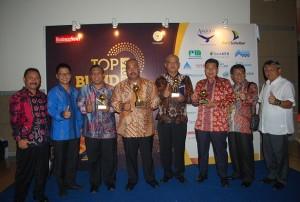 PDAM Tirta Mahakam Raih 3 Penghargaan TOP BUMD 2016